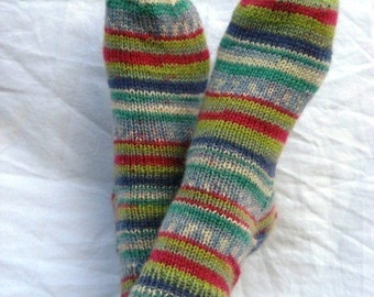 Hand-knit W 7-9 Winter Wonderland Ankle Socks