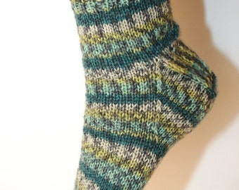 Women's 7-9 Ankle Socks Hand-knit by Janie Bull, Stormy Seas