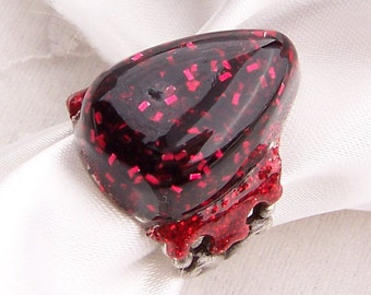 Groovy GlitteRING- Red and Black Glitter and Resin Ring (R-007)