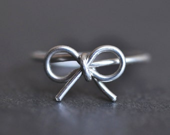 TINY BOW sterling silver wire wrap ring