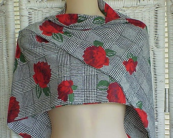 SALE..Vintage SHAWL with ROSES