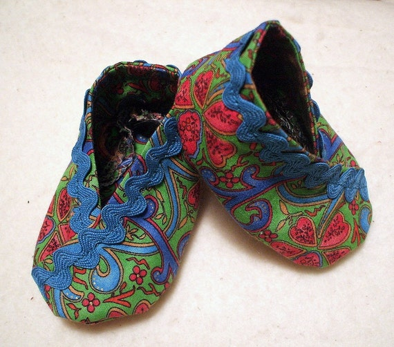 Fresh and Funky Kimono Style Baby Slippers