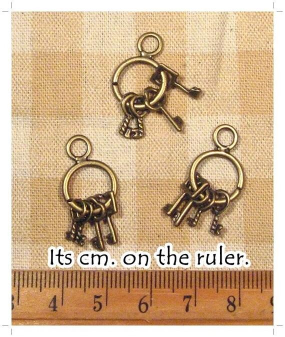 10 pcs Antique Bronze Key Charm Metal Charm Pendant - 2 sides -