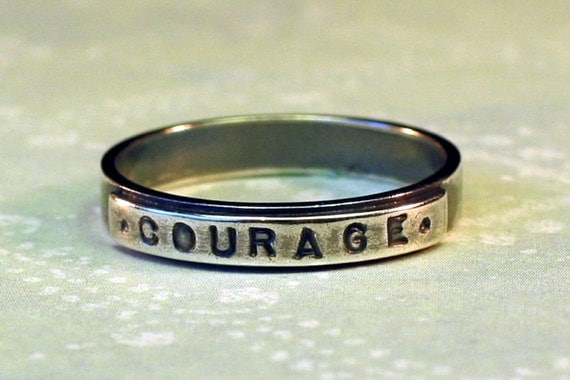 sz 5 Silver COURAGE Ring