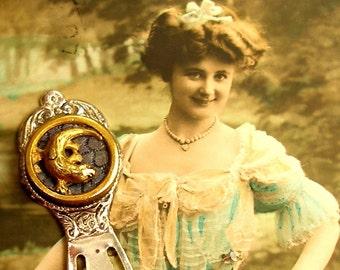Gecko, Antique BUTTON bookmark, Victorian lizard on silver, present gift,