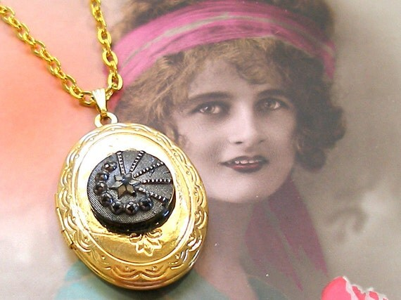 SALE Antique BUTTON locket necklace, Victorian shooting star on gold. Price reduced.