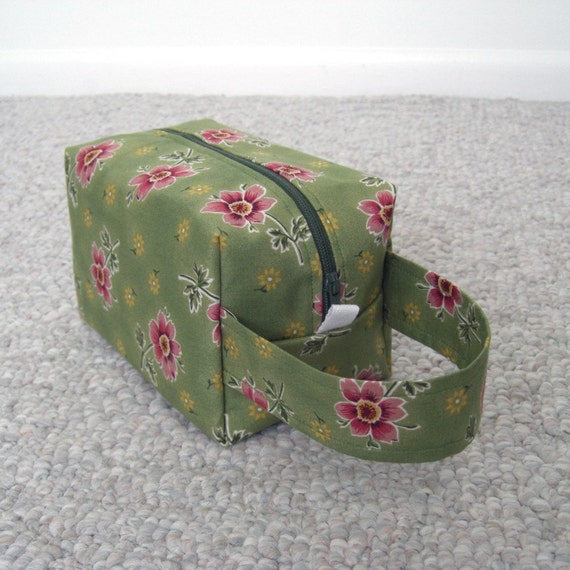 MOVING SALE - Dusty Pink Flowers Zipper Box Knitting Project Bag - last one