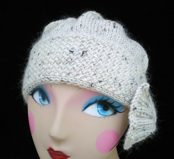 Cloche Hat Pattern Knitting : PDF Knitting Pattern - Flapper Cloche Hat from ohmay on Etsy Studio
