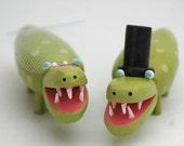 Smiling Gator Wedding Cake Toppers
