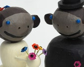 Bride and Groom Monkeys for your wedding cake
