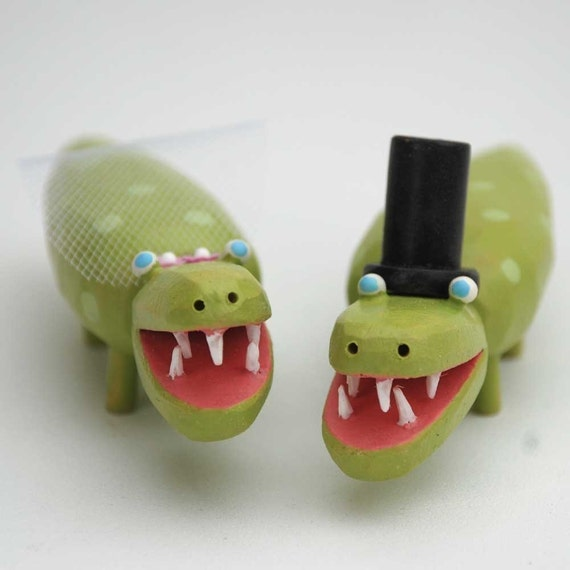 Smiling Gator Wedding Cake Toppers