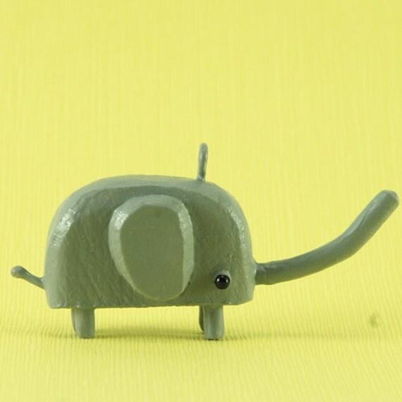 little gray elephant pendant