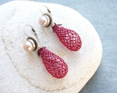 The Organics Collection - Silver plated Earrings with Pearl and Needle lace