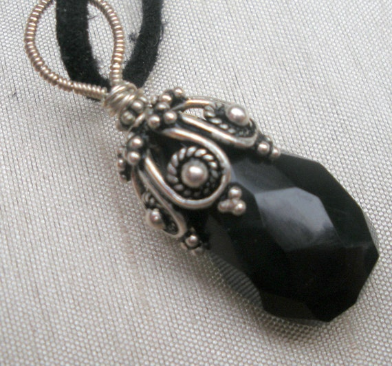 Black faceted briolette with Bali silver cup wirewrapped pendant with large bail handmade, black chalcedony briolette, OOAK, rusteam, uniqu