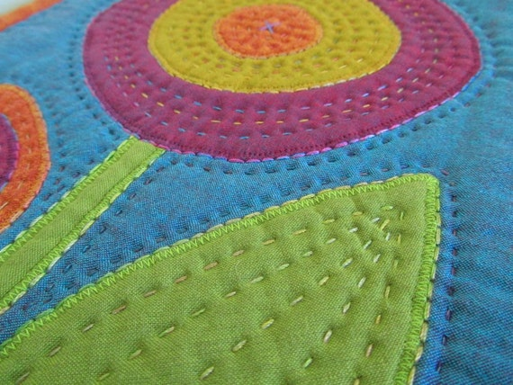 Appliqué Mini Quilt - Wall Hanging - Small Flowered Appliquéd Quilt with Hand Stitching