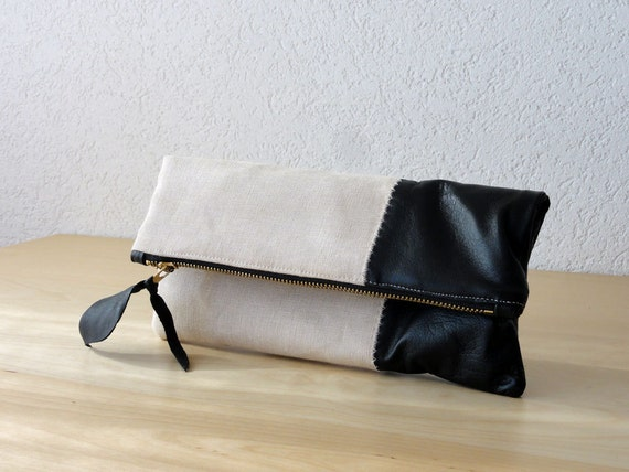 leather clutch in black italian leather and beige by iragrant. Black Bedroom Furniture Sets. Home Design Ideas