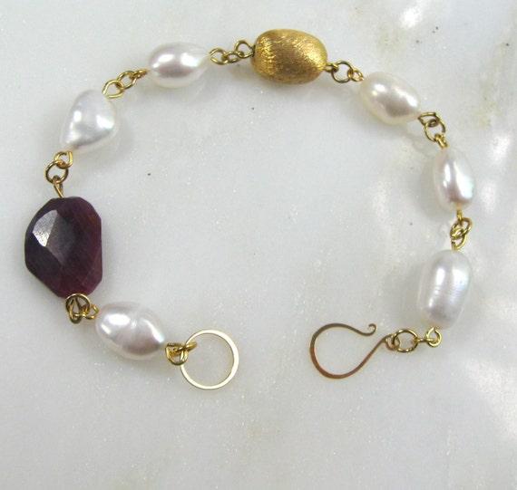 Ruby, AAA Keshi Pearl, Pearl Gold Linked Luster Bracelet