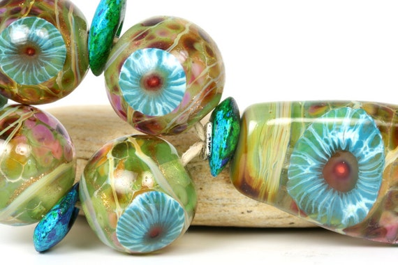 "Lampwork glass bead set handmade by Lori Lochner ""Shaded garden"""