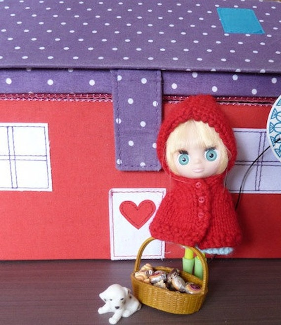Little Red Riding Hood cape for Petite Blythe