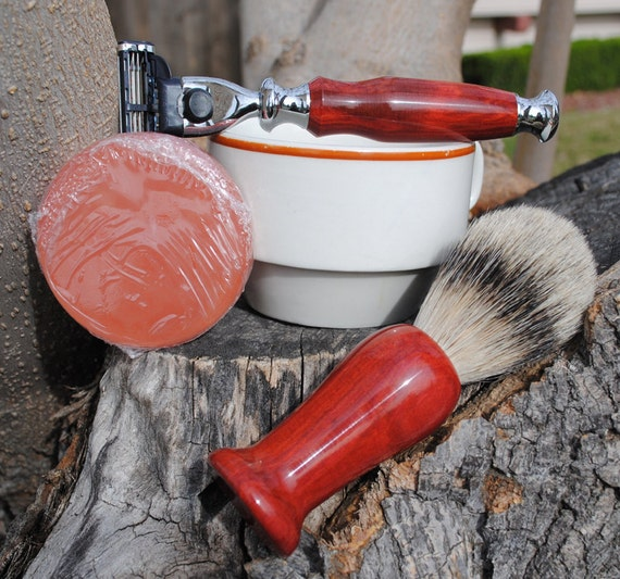 Shave Brush and Razor - Redheart Silvertip Badger Hair Shave Set