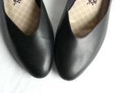 classic . 80s . black . faux leather . NATURALIZER . pumps . shoes . wedge . Sz 8