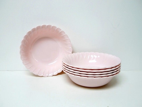 1990 vintage light pink MELAMINE WARE scallop edge bowls . set of 6