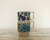 vintage stacking mugs mismatched blue flowers