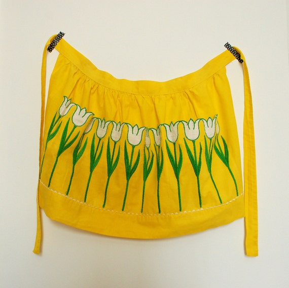 vintage yellow apron with tulips