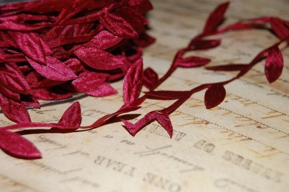 Burgundy Wine Ribbon of Leaves and Trailing Vine Trim