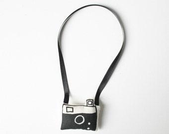 camera hanger