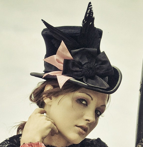 The Beaux - Victorian Mourning Tall\/Top Hat In Velvet - Goth