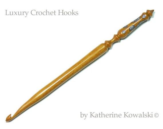 SALE - Summer Sorbet -  Wooden Crochet Hook -- Ornate Series -- Size I (DAYSTAR) Katherine Kowalski woodturning