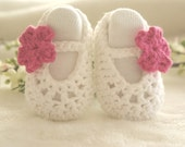 READY TO SHIP - White Baby Shoes, Crochet Baby Booties, Baby Girl Shoes, Ballerina Baby Shoes