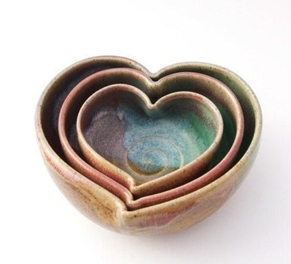 Nesting Heart Bowl Set