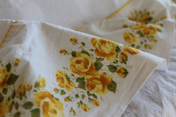 Vintage Cotton Bed Sheet - Cannon Combed Percale - Yellow Roses and Yellow Piped Border - NOS - New - Full Size