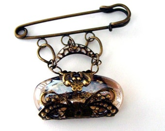 Antique Brass Brooch - Little Purse (36)