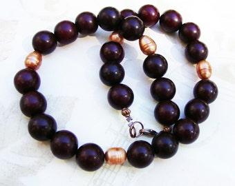 Chestnut Brown Amber and Freshwater Pearl Necklace (146)