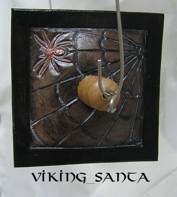 Viking Santa Drop Spindle ( EDS 0223 ) Leather whorle