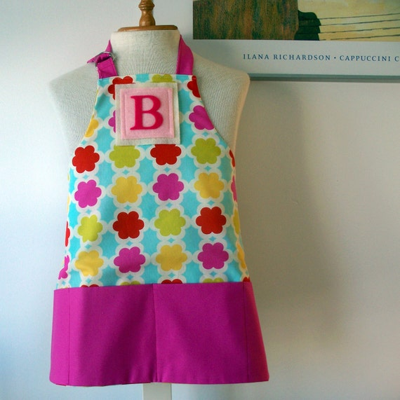 Little Kids/Toddler Apron for ages 2 to 6 - personalized felt letter initial - reversible with front pockets - Gem (free shipping)
