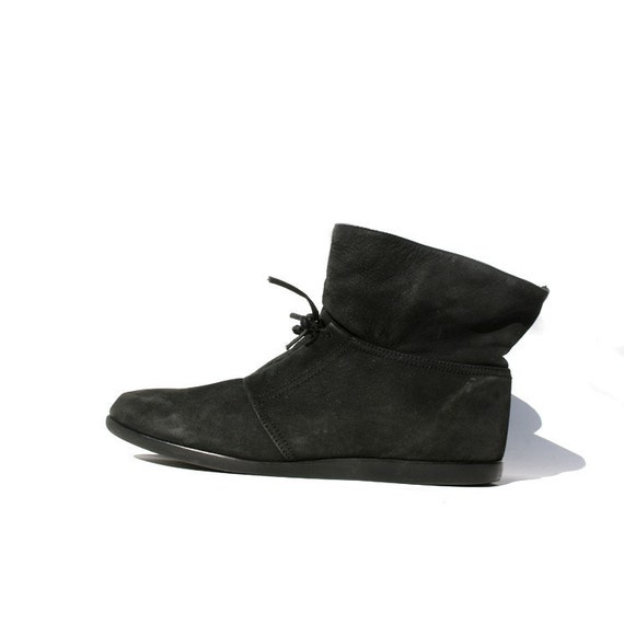 Size 11 Womens Ankle Boots with FREE Shipping & Exchanges, and a % price guarantee. Choose from a huge selection of Size 11 Womens Ankle Boots styles.