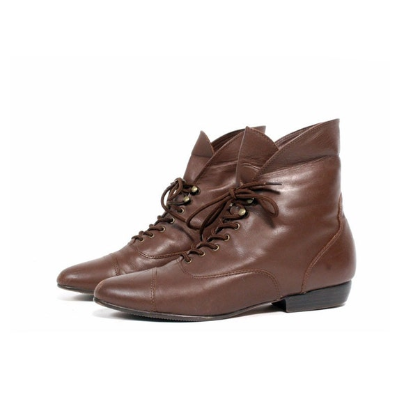 size 9 vintage brown leather CUFF ankle boots 40