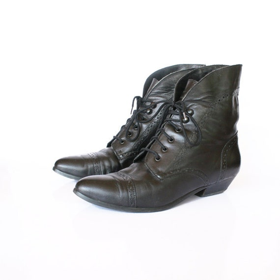 size 8.5 black leather cuffed ankle boots with cut out details