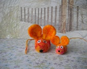 RESERVED for Nonnie -Scrappy  Mouse Mama and Baby Bella  -  Needle Felted