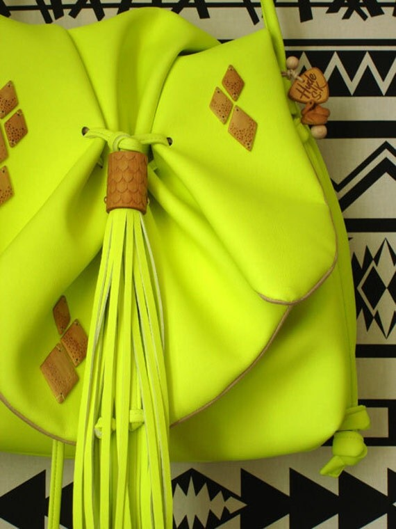 VEGAN leather Siouxsie bag in fluro yellow. So hot right now