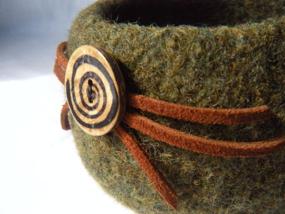 Zombie Knitting Bowl : Knit felt bowl mens gift green wool leather wood button desk