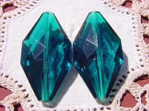 Emerald Teal Elegant Diamond Shape Vintage Lucite Beads