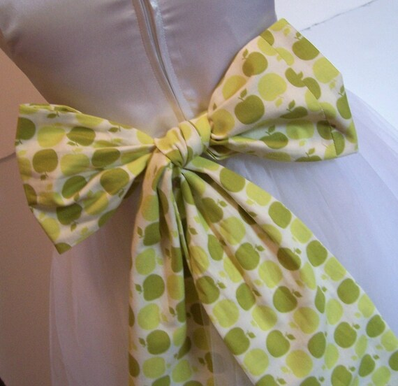 Flower Girl Bridal Sash Obi Belt for your Wedding Party Green Apples