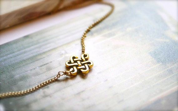 LAST PIECE-- Knotted -- Gold Celtic Knot Necklace - Momento, Classic, Simple and Minimalistic, Anniversary Gift, Birthday Present, Everyday