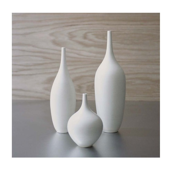 trio of pure white ceramic bottle vases in modern matte white. Black Bedroom Furniture Sets. Home Design Ideas