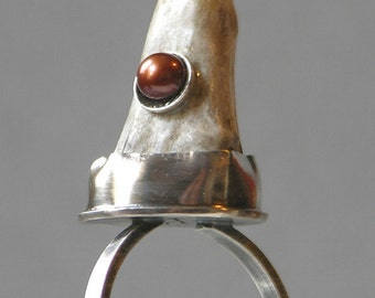 Artemis Antler Ring With Brown Pearl
